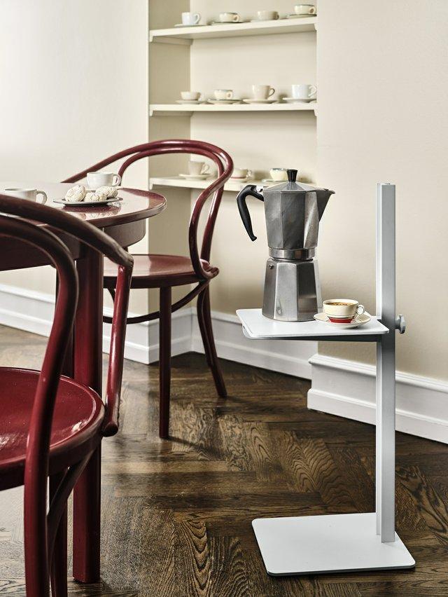KI_Home_Style_08_21_02_String_Furniture_Museum_Sidetable_aluminium_c_String_Furniture.jpg