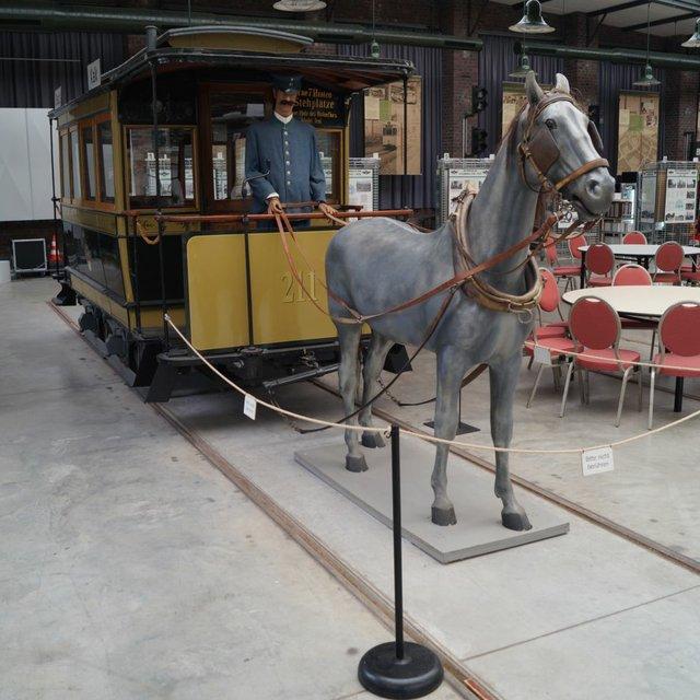 Pressebild des Pferdebahnwagen.jpg