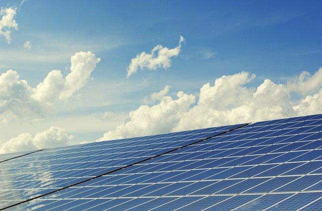photovoltaic_c_andreas160578_Pixabay.jpg